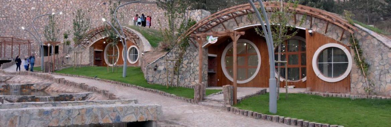 Sivas 'hobbit houses' a springtime attraction for tourists