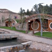 Sivas 'hobbit houses' a springtime attraction for tourists