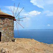 """""""جزيرة بوزجا"""" التركية تعيد الحياة لطواحينها الهوائية"""